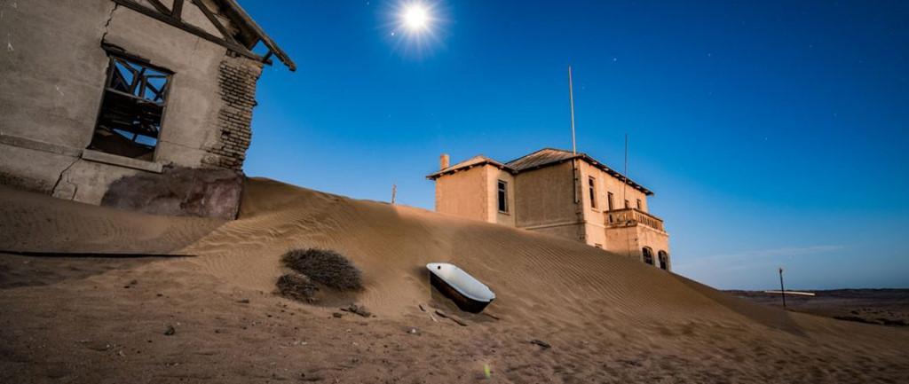 Vẻ kỳ bí của thị trấn bỏ hoang bị sa mạc nuốt chửng-1