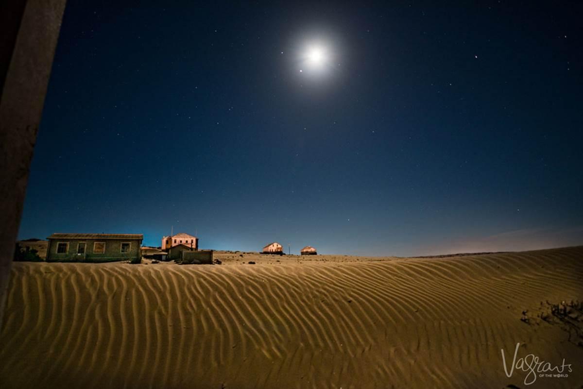 Vẻ kỳ bí của thị trấn bỏ hoang bị sa mạc nuốt chửng-2