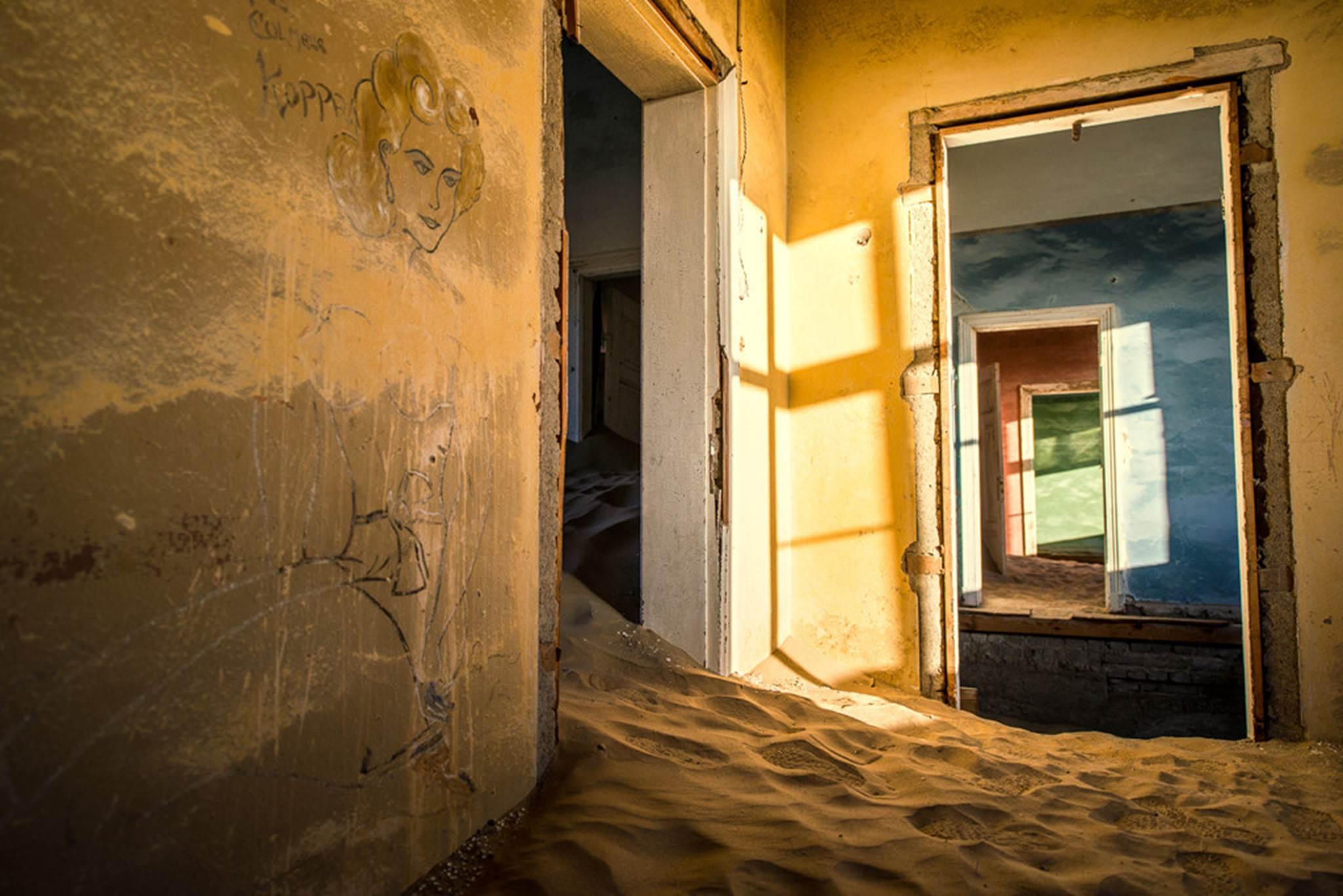 Vẻ kỳ bí của thị trấn bỏ hoang bị sa mạc nuốt chửng-5