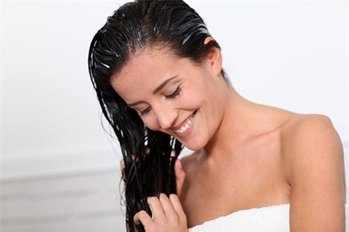 3 cách trị tóc rụng nhiều và bạc sớm với công thức từ 1 quả khế chua-3