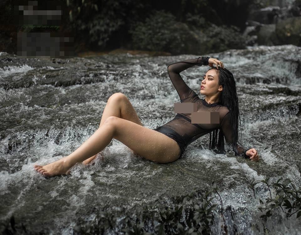 Trọn bộ ảnh nội y phản cảm của Linh Miu bị dân mạng 'ném đá vỡ đầu'-7