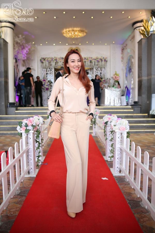 Ngân Khánh từ Singapore về nước sớm dự đám cưới Lê Phương-3