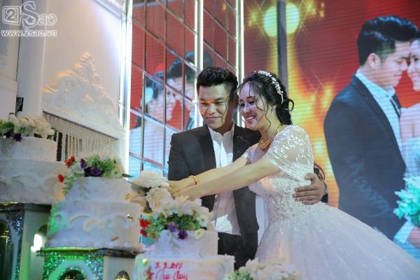 Ngân Khánh từ Singapore về nước sớm dự đám cưới Lê Phương-8