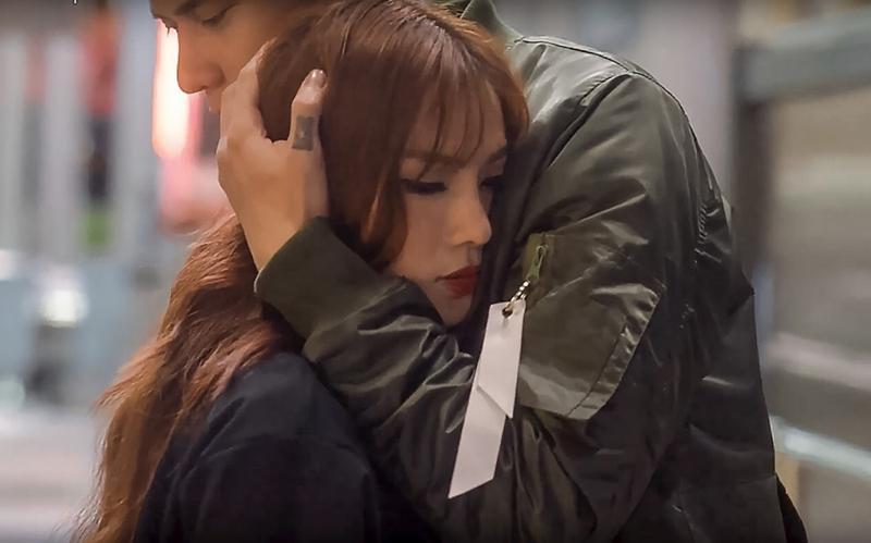 Dầm mưa và khóc nhiều giờ liên tục, Thu Thủy suýt ngất khi quay MV mới-3