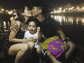 Tin sao Việt 8/8: Phan Hiển và Khánh Thi khóa môi trên thuyền
