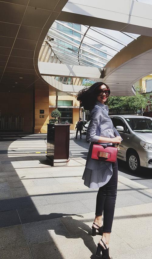 Ngọc Trinh tự tin tóc mới, Hoàng Ku diện sắc hồng không sến nổi bật street style tuần này-11