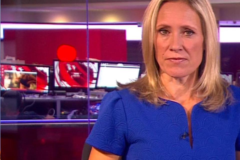 Nóng: BBC gặp sự cố lộ đoạn phim khiêu dâm trên sóng trực tiếp-4