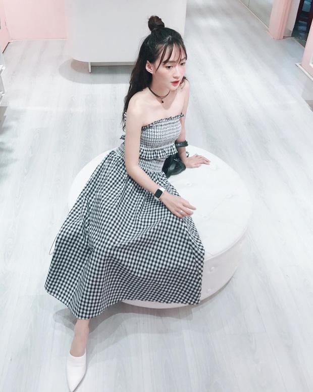 Bộ váy này đang được con gái Việt diện suốt trên Instagram, chứng tỏ gingham là hot trend 'phá đảo' hè 2017-4