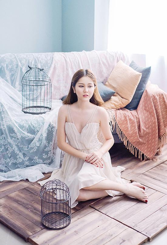 Hot girl - hot boy Việt 9/8: BB Trần lộ hậu trường make up 'siêu bá đạo'-3
