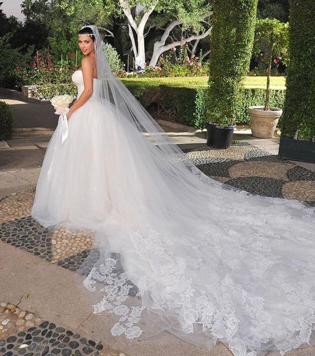 Ẩn chứa sau mạng che mặt cô dâu trong ngày cưới là những sự thật bất ngờ và rùng rợn-2