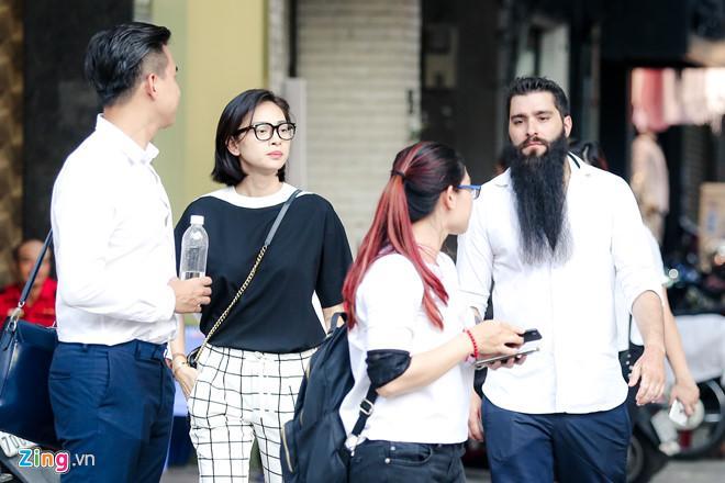 Đạo diễn Kong: 'Tôi phiền lòng vì bị nhiều cô gái Việt lợi dụng để PR'-2