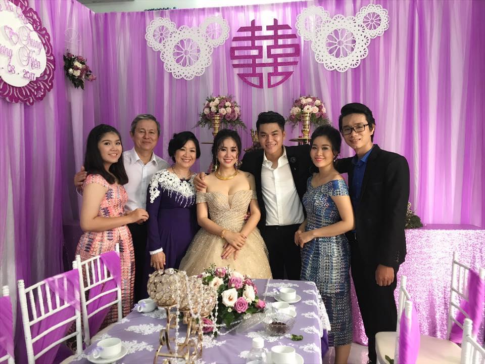 Tin sao Việt 9/8: Lê Phương gửi lời cảm ơn sau đám cưới với chồng kém tuổi-2