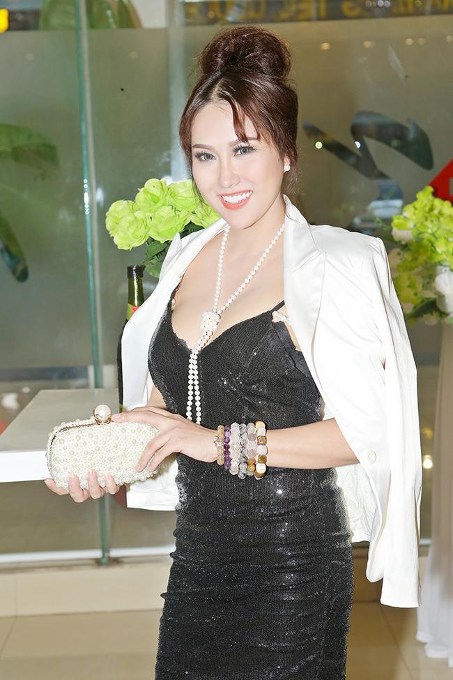 Phi Thanh Vân: 'Tôi đang chiếm hữu số đo 3 vòng khủng nhất showbiz Việt'-1