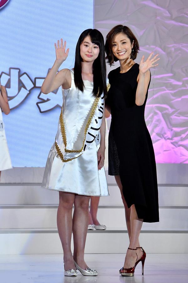 Ghen tỵ trước nhan sắc của cô nàng 14 tuổi xinh đẹp nhất Nhật Bản-5