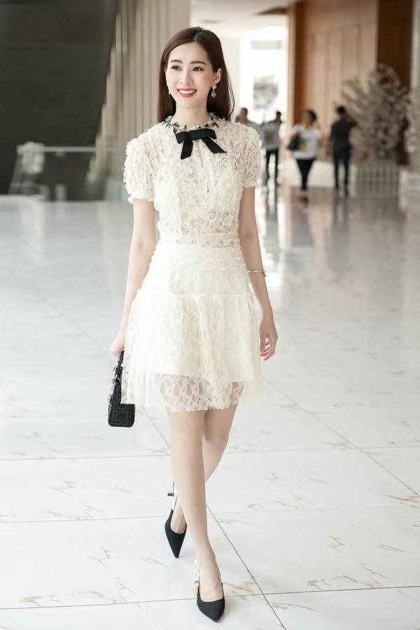 Hoa hậu Đặng Thu Thảo hấp dẫn vạn ánh nhìn dù ăn mặc giản dị-6
