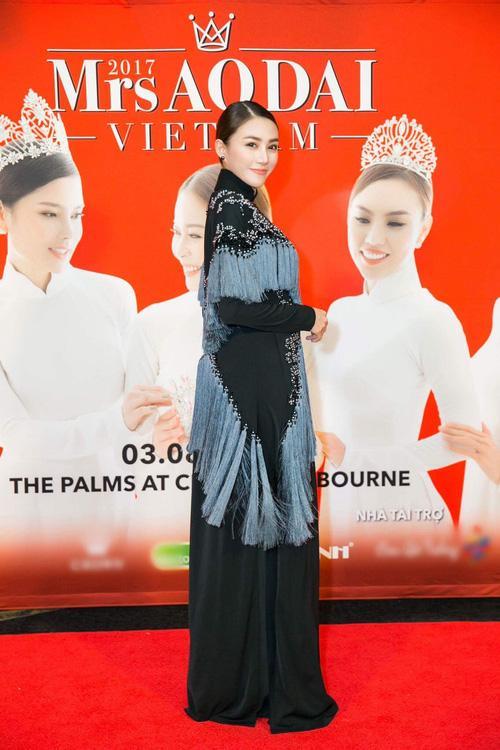 Tóc Tiên hở trên lộ dưới, Trang Trần make-up 'ma quái' lọt top thảm họa tuần này-1