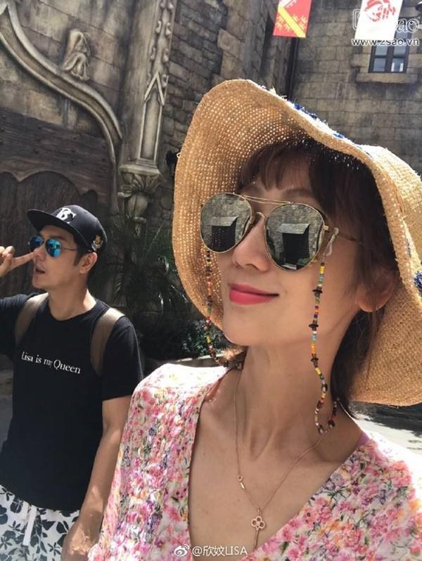Fan Việt vui sướng được chụp ảnh cùng Trần Hạo Dân tại Đà Nẵng-9