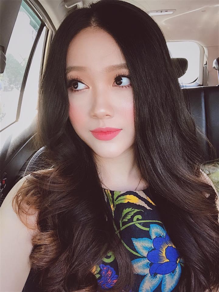 Hot girl - hot boy Việt 11/8: Diễn viên Tường Vy 'say' hết mình khi cover hit 'Ghen'-7