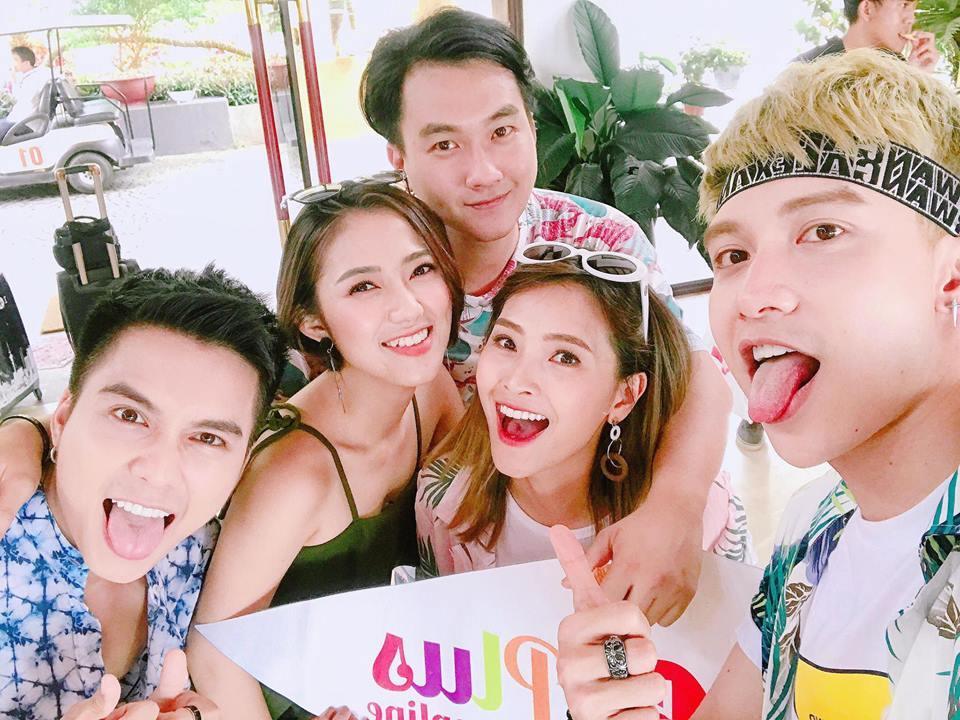 Hot girl - hot boy Việt 11/8: Diễn viên Tường Vy 'say' hết mình khi cover hit 'Ghen'-8