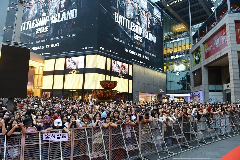 10.000 người chen chúc để ngắm nhìn Song Joong Ki bằng xương bằng thịt-7