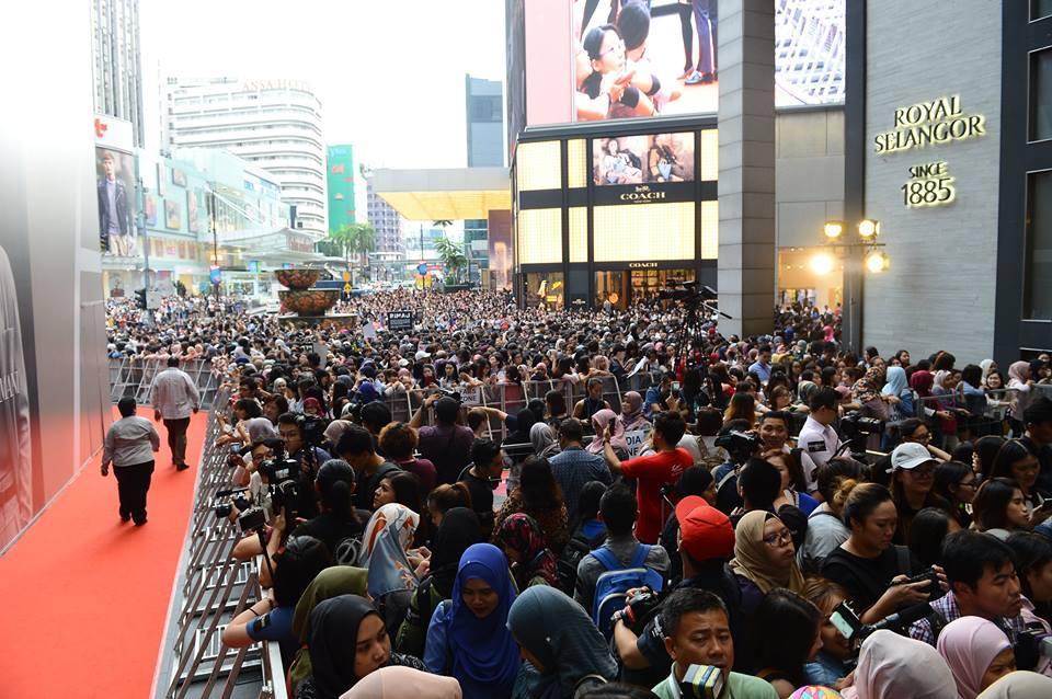 10.000 người chen chúc để ngắm nhìn Song Joong Ki bằng xương bằng thịt-8