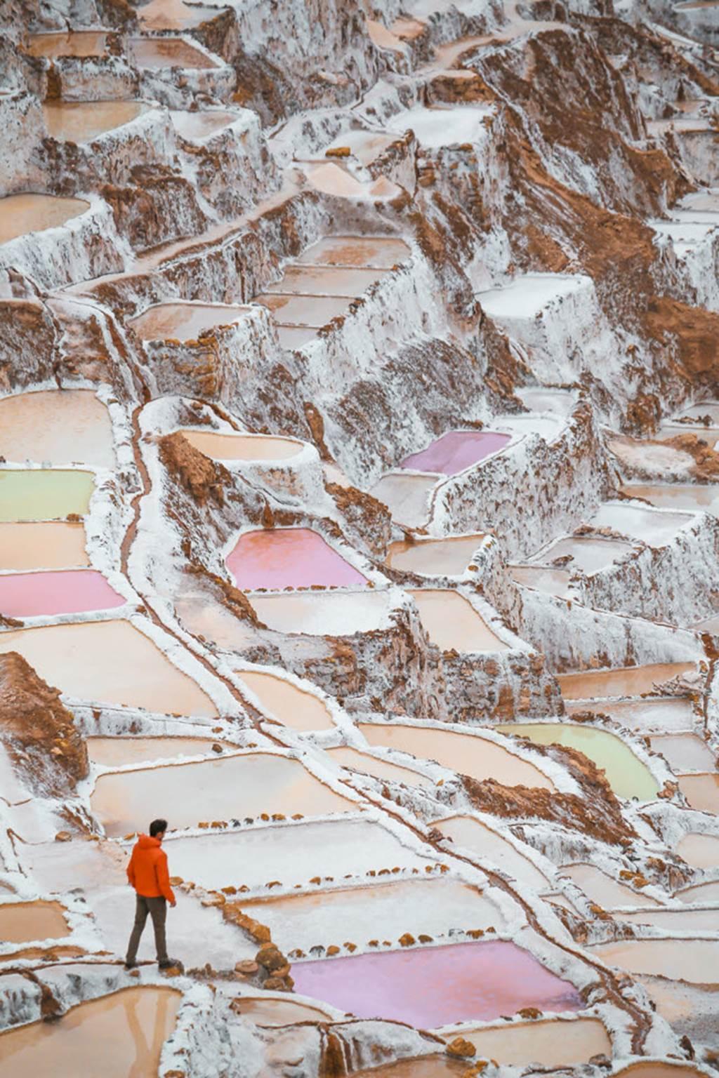 Hồ muối bậc thang đẹp lạ kỳ, ngỡ như hành tinh khác-2
