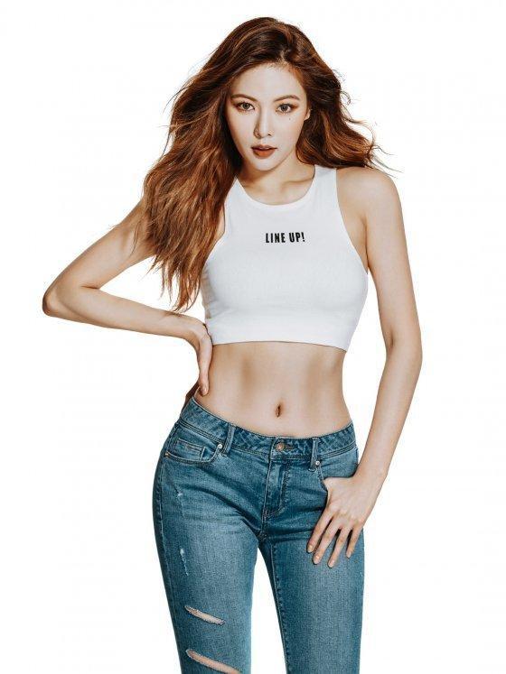 Sao Hàn 11/8: SNSD YoonA ngất ngây trước vẻ đẹp trai của Hyun Bin-3