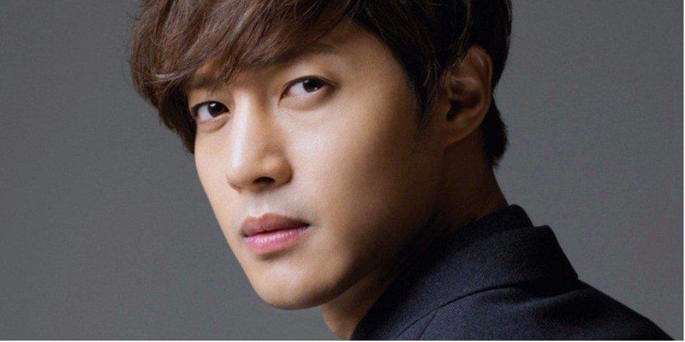 Sao Hàn 11/8: SNSD YoonA ngất ngây trước vẻ đẹp trai của Hyun Bin-9