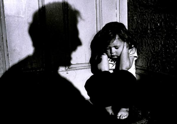 Chấn động: Lời kể đau đớn của hai chị em bị bố đẻ cưỡng hiếp hàng năm trời-3