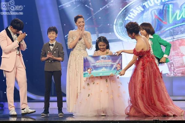 Cậu bé được Isaac gọi là thần đồng âm nhạc chính thức lên ngôi Quán quân 'Vietnam Idol Kids'-3
