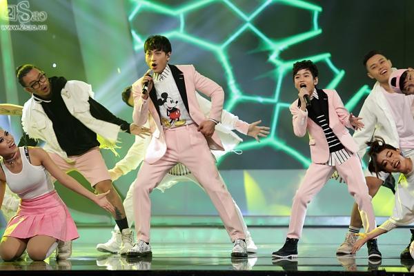 Cậu bé được Isaac gọi là thần đồng âm nhạc chính thức lên ngôi Quán quân 'Vietnam Idol Kids'-9