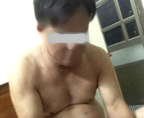 Vào nhà nghỉ với nam thanh niên, chủ tịch xã bị tung ảnh khỏa thân-1