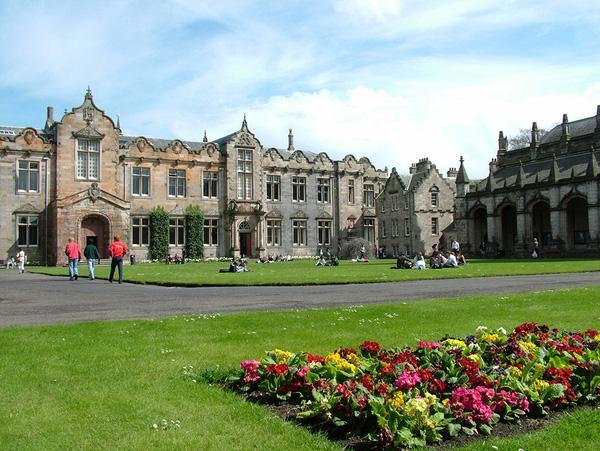 Ngắm nhìn những trường Đại học đẹp ngỡ ngàng như bước ra từ chuyện cổ tích-6