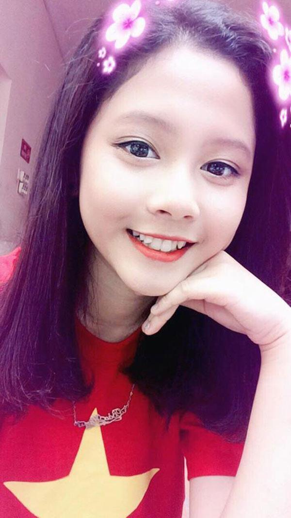 Xinh đẹp, hát hay nữ sinh 15 tuổi có hơn 70 nghìn người theo dõi trên Facebook-1