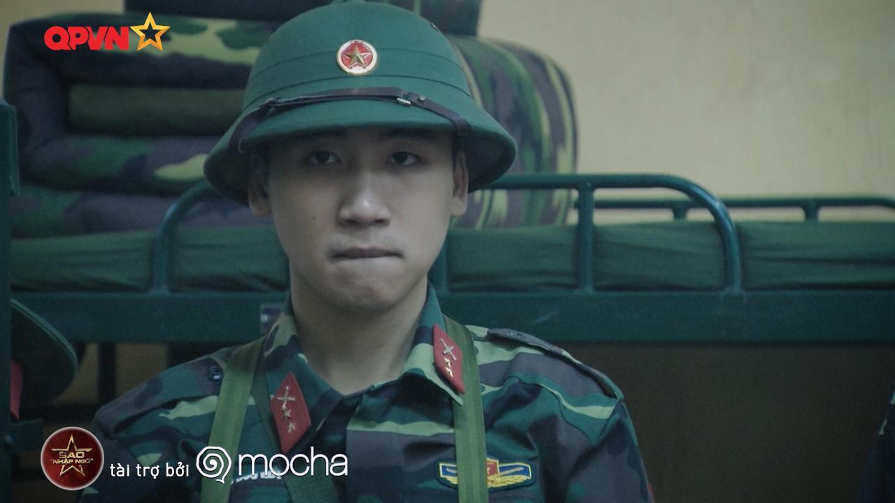 Huy Cung giật nảy người khi bắn súng khiến Khắc Việt cười 'không ngậm được miệng'-3