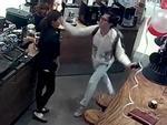 Vì sao Khánh Casa không trực tiếp gặp, xin lỗi nữ nhân viên bị tát?