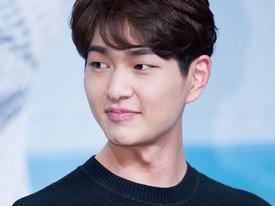 Sao Hàn 13/8: Thông tin mới về diễn viên 'Hậu duệ mặt trời' quấy rối tình dục