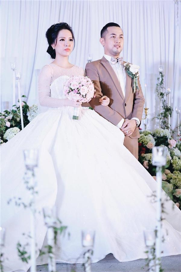 Tiệc cưới lung linh của anh trai ca sĩ Bảo Thy và hot girl Trang Pilla-3