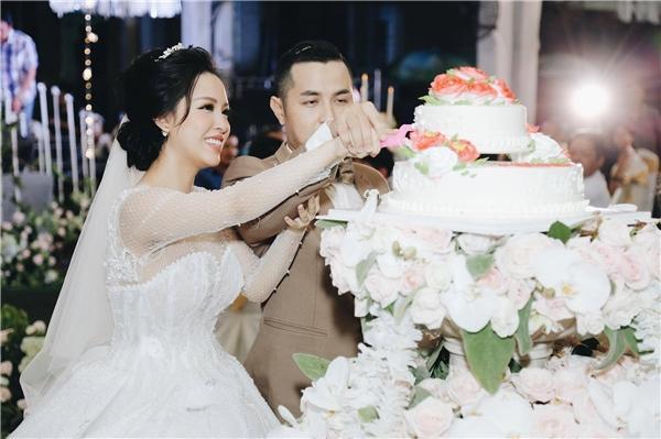 Tiệc cưới lung linh của anh trai ca sĩ Bảo Thy và hot girl Trang Pilla-1