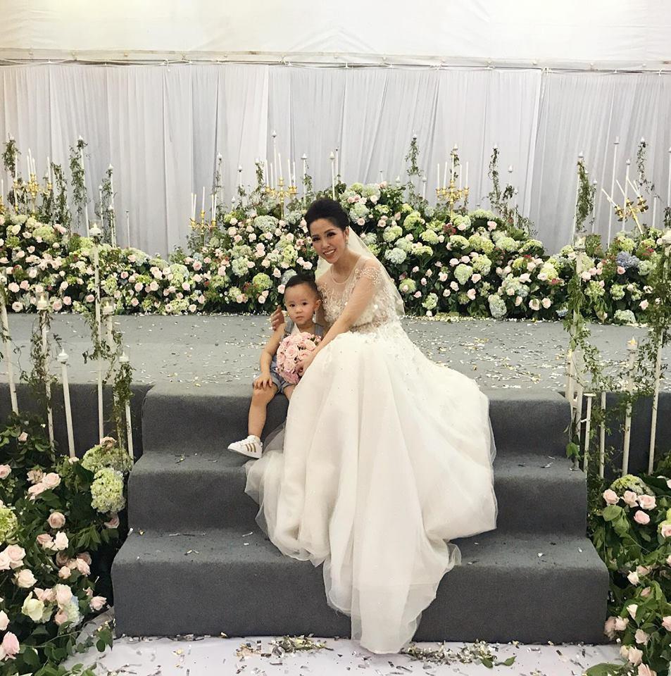 Tiệc cưới lung linh của anh trai ca sĩ Bảo Thy và hot girl Trang Pilla-4