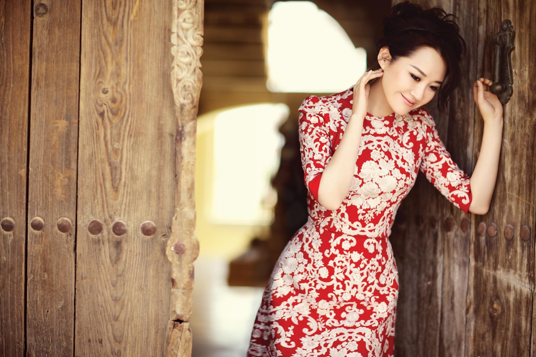 Vóc dáng hoàn hảo của loạt mỹ nhân U60 xứ Trung khiến giới trẻ 'chạy theo không kịp'-1