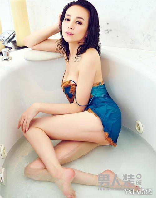 Vóc dáng hoàn hảo của loạt mỹ nhân U60 xứ Trung khiến giới trẻ 'chạy theo không kịp'-6