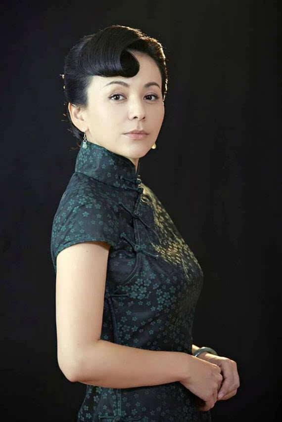 Vóc dáng hoàn hảo của loạt mỹ nhân U60 xứ Trung khiến giới trẻ 'chạy theo không kịp'-4