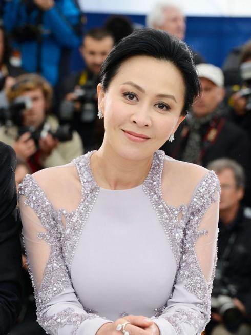 Vóc dáng hoàn hảo của loạt mỹ nhân U60 xứ Trung khiến giới trẻ 'chạy theo không kịp'-13