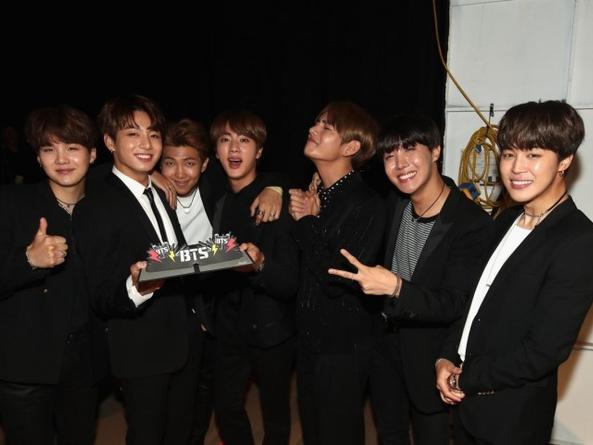 BTS chính thức giật giải tại Teen Choice Awards 2017