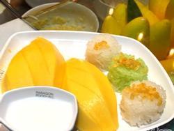 Du lịch Thái Lan không còn xa lạ, nhưng bạn đã thử những món ăn đường phố ngon xuất sắc này chưa?