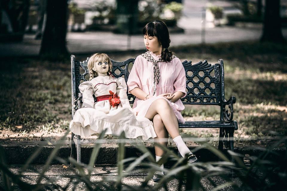 Trang Hý tung bộ ảnh 'Cùng Annabelle đi khắp thế gian' gây sốt-1
