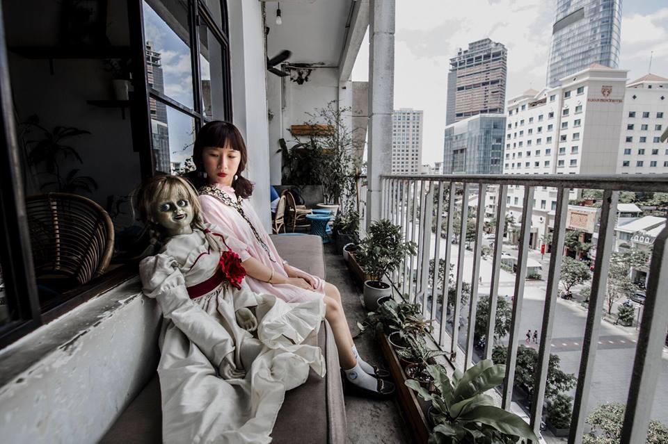 Trang Hý tung bộ ảnh 'Cùng Annabelle đi khắp thế gian' gây sốt-6