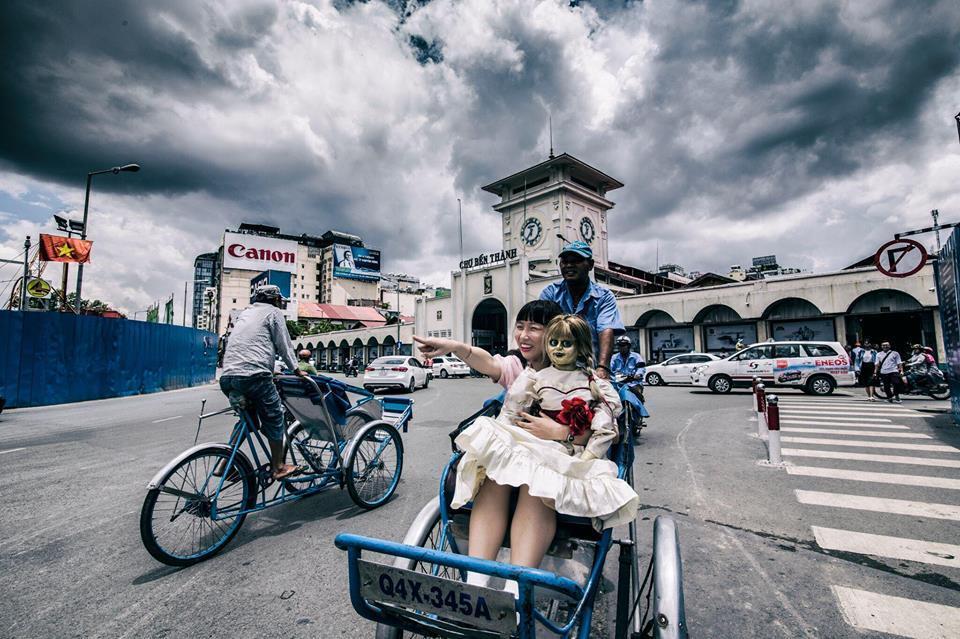 Trang Hý tung bộ ảnh 'Cùng Annabelle đi khắp thế gian' gây sốt-7