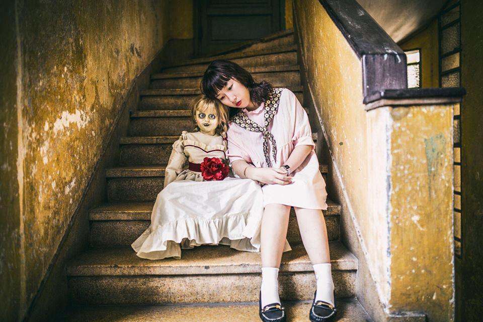 Trang Hý tung bộ ảnh 'Cùng Annabelle đi khắp thế gian' gây sốt-4